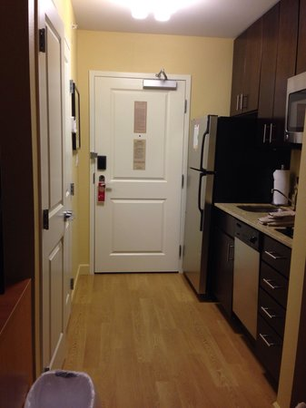 TownePlace Suites Buffalo Airport: Kitchenette
