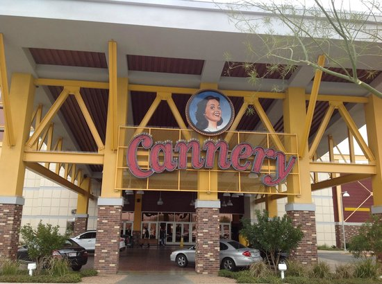 Eastside Cannery Casino & Hotel: ingang