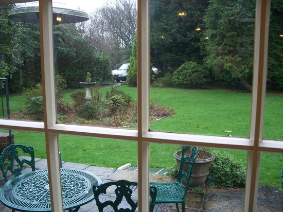 The Flackley Ash Country House Hotel: View of 'garden'