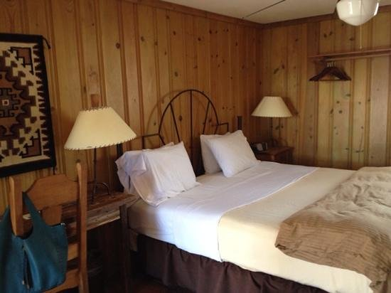 The Maverick Inn : our bedroom - room #22