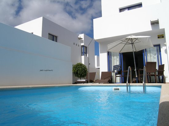Spain villa 223 puerto rubicon lanzarote picture of for Villas rubicon lanzarote