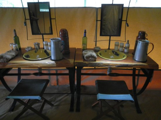 Rekero Camp, Asilia Africa: Dual sinks