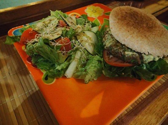 La Senda: Lentil Burger
