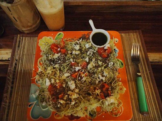 La Senda: Raw Zucchini Pesto Pasta & Juice