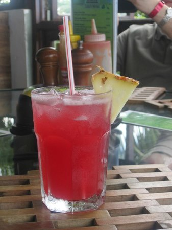 Mystic Dining Restaurant and Bar : Rum punch