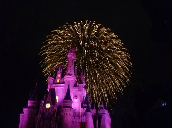 Happily Ever After Fireworks: Maravilloso!