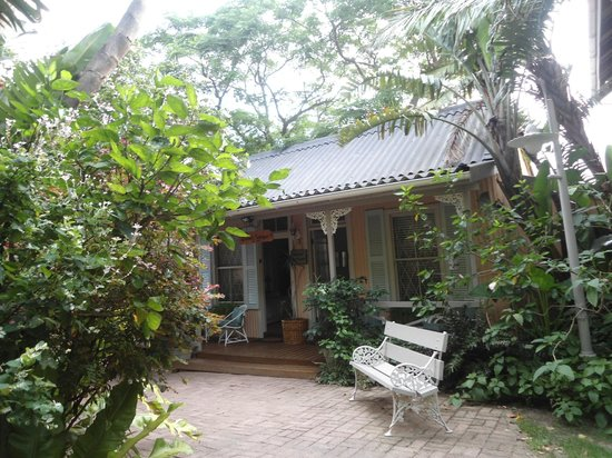 Coral Guest Cottages: 6
