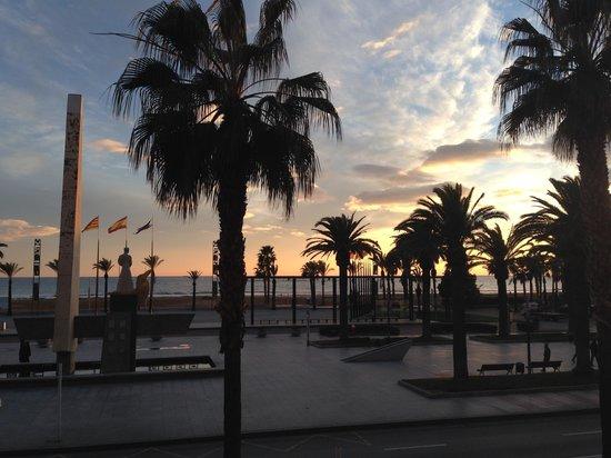 Paseo Marítimo: Atardecer en Paseo Jaume I
