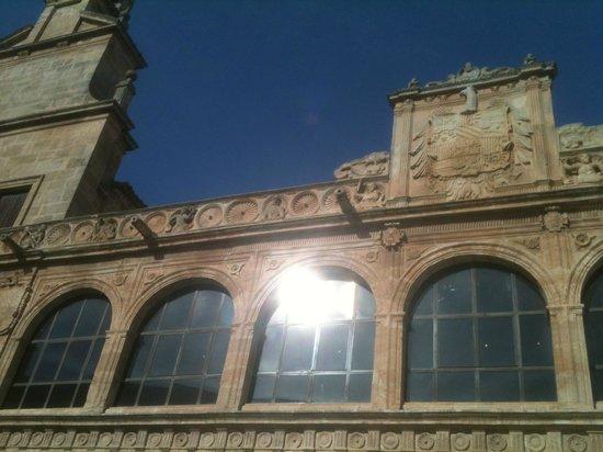 Museo del Objeto Encontrado - Fundación Antonio Pérez: palacio y la torre del reloj