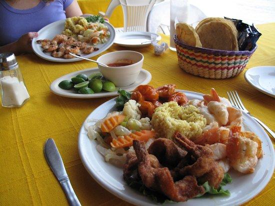 Shrimp 4x4 signature dish and garlic shrimp picture of for Cuisine 4x4