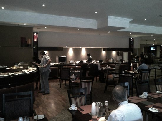 Southern Sun O.R Tambo International Hotel: The Restaurant