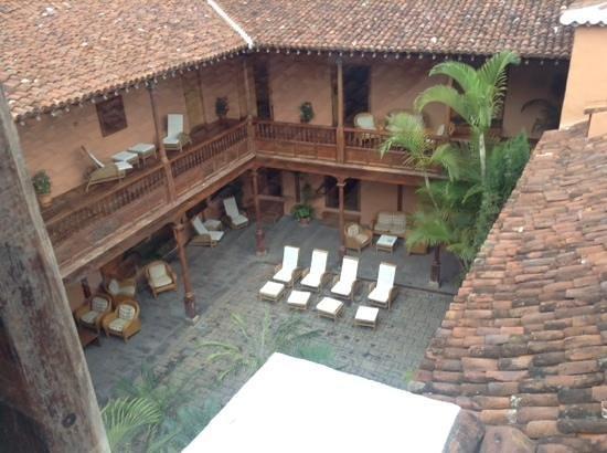 Hotel La Quinta Roja: Courtyard La Quinta Roja