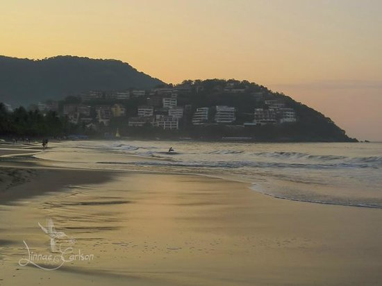 Barcelo Ixtapa: Wake up sleepyhead, lets go for a walk.