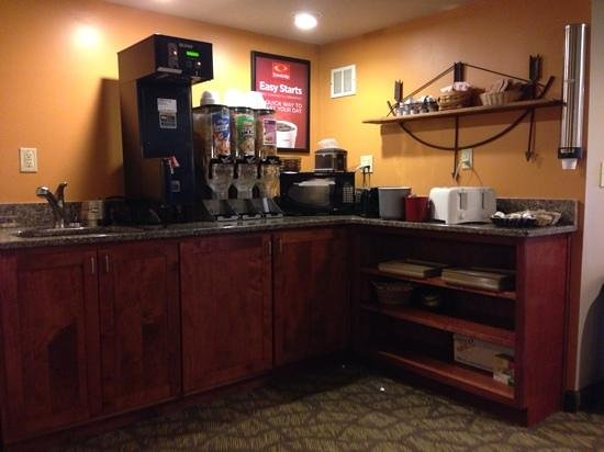 Econo Lodge Cherokee: Cereal bar
