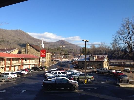Econo Lodge Cherokee: View from 2nd floor