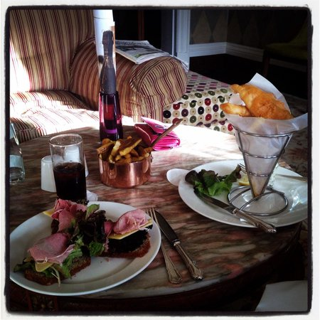 Dunbrody Country House Hotel: Lunch in the Bar