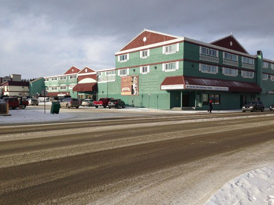 Westmark Whitehorse Hotel and Conference Center : One of the sides of the hotel