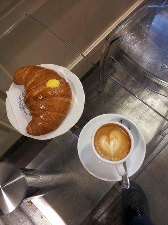 Pasticceria Miozzi: CAFFE' E DELIZIOSA BRIOCHES