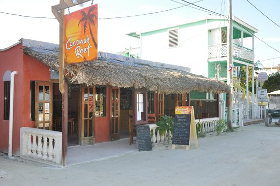 Coconut Reef Caribbean Trattoria: Store Front