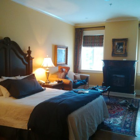 Riverbend Inn and Vineyard : beautiful room