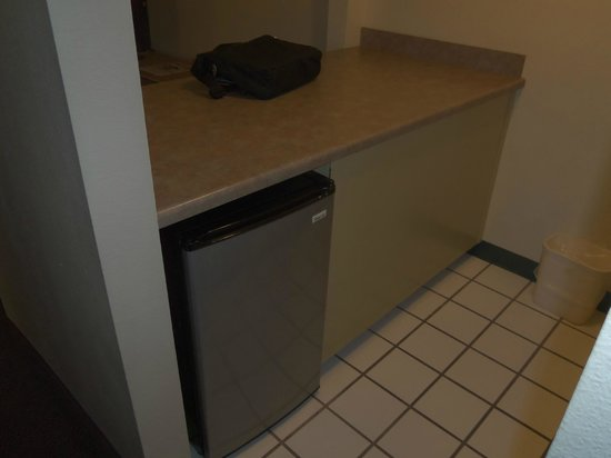 Mardi Gras Hotel & Casino: All this space just for a fridge