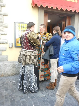 Guided City Tour of Lucerne: Traditional costume parade