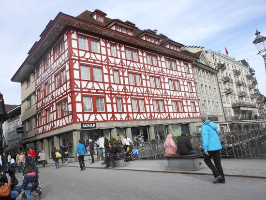 Guided City Tour of Lucerne: old building near the bridge