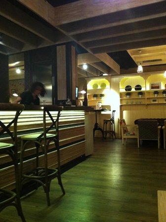 La Nicoletta Castellana : balcão do restaurante