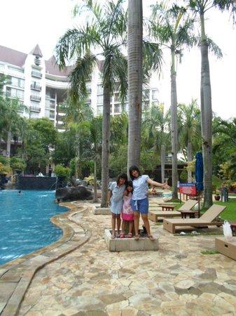 Novotel Surabaya Hotel and Suites : children playground