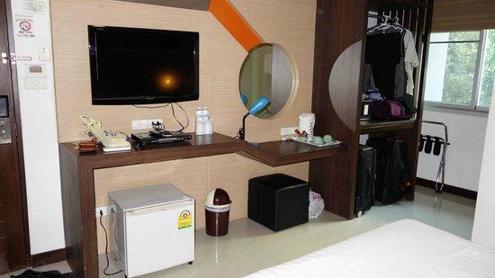 DS67 Suites : Front of bedroom