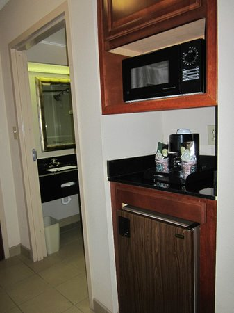Quality Inn & Suites: Microwave/Refriegerator/Coffee Maker