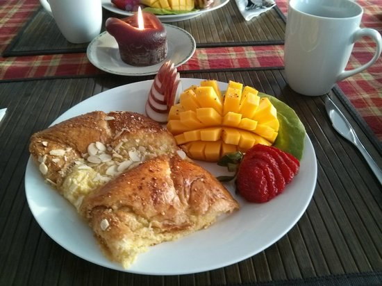Le Gite du Hu-Art : Breakfast