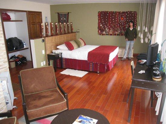Hotel Rosario Lago Titicaca : Spacious, well decorated room