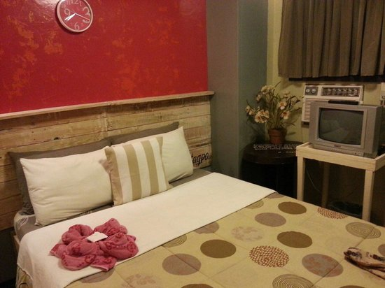 The Boac Hotel: Delux room with aircon