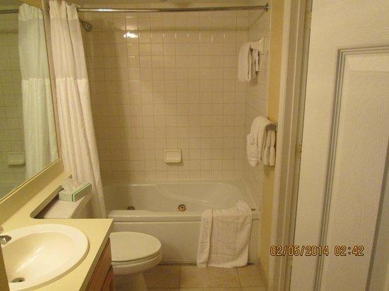 Ocean Pointe Suites at Key Largo: 2nd Bathroom