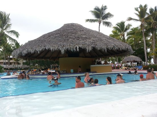 Catalonia Bavaro Beach, Casino & Golf Resort: piscina