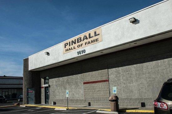 Pinball Hall of Fame : Outside
