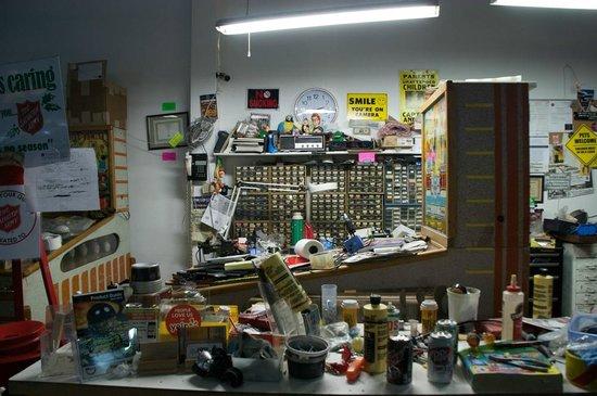 Pinball Hall of Fame : Repair/Restoration Area