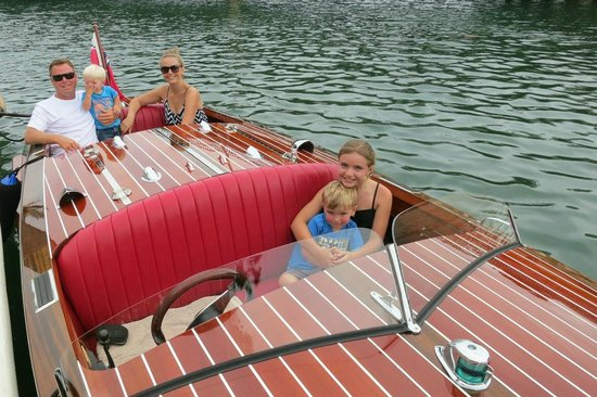 Noosa Dreamboats Classic Boat Cruises: Perfect for a fun family outing in Noosa