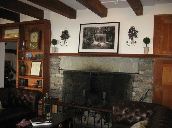 Gideon Ridge Inn: Great Room with fireplace