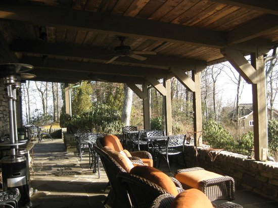 Gideon Ridge Inn: Back Deck