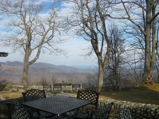 Gideon Ridge Inn: View from Back Deck
