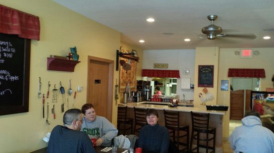 Stacy's kitchen... quaint hometown service ... great food!