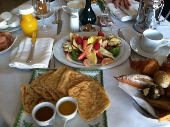 Four Seasons Resort Marrakech: room service breakfast