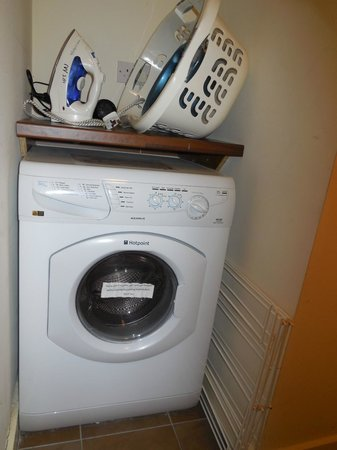 Staycity Aparthotels Saint Augustine St: Washer/Dryer Combo