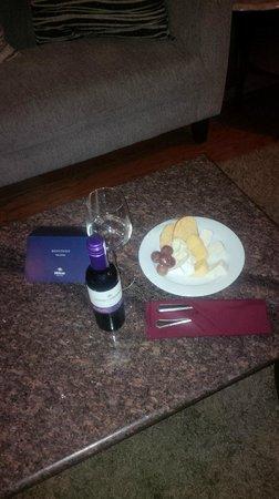 Hilton Guadalajara: Room Service