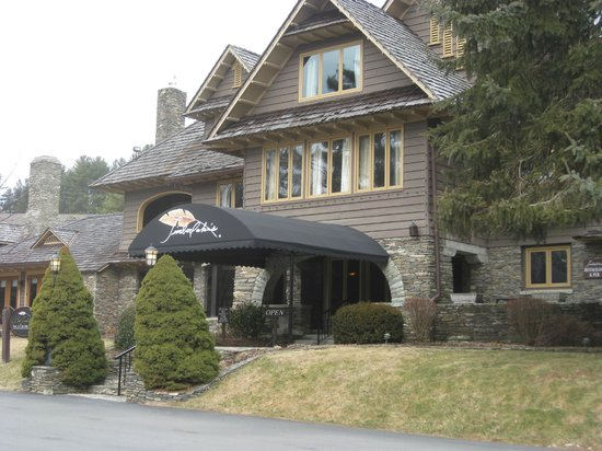 Chetola Resort at Blowing Rock: Bob Timberlake Inn