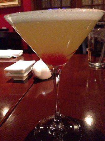Sushi Mono: Sweet Geisha...DELISH! Malibu, Bacardi & Pineapple Martini. 5⭐️