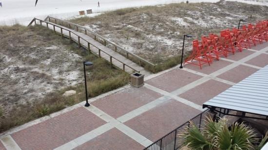 Four Points by Sheraton Jacksonville Beachfront: walk to beach