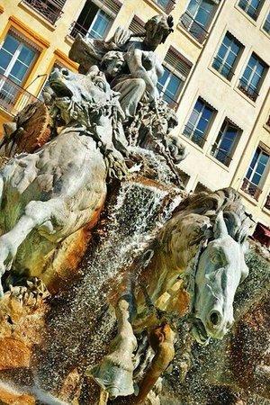 Place des Terreaux: Fontaine Bartholdi